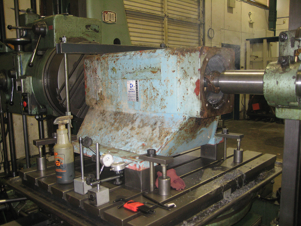 lineboring pump housing on horizontal boring mill